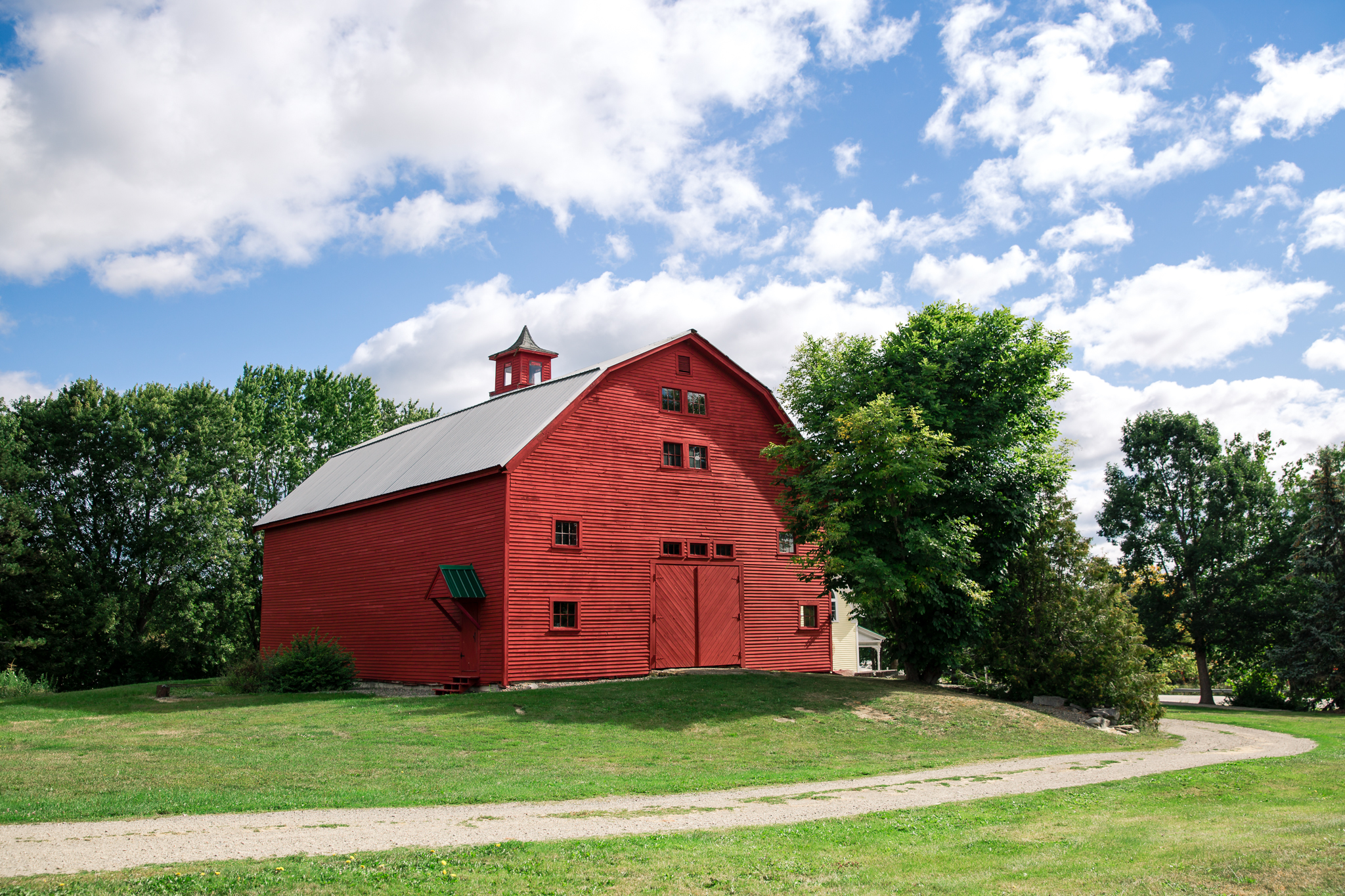 Red Barn At Meadow Ridge Farm Bangor Maine Wedding Venue